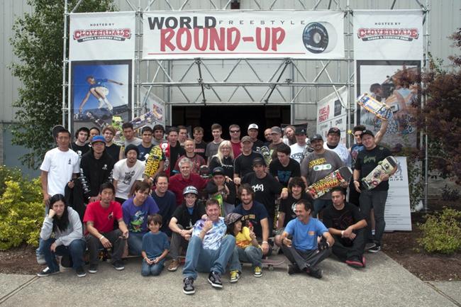Roundup-Group-Photo-2014-1024x682