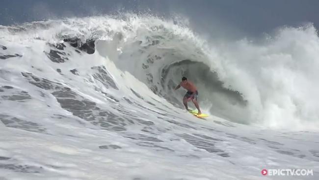 EpicTV Video- Benjamin Sanchis And Friends Getting Deep In Massive Barrels In Mexico - EpicTV[1020151119545GMT]