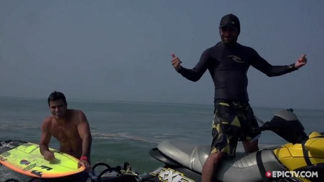 EpicTV Video- Benjamin Sanchis And Friends Getting Deep In Massive Barrels In Mexico - EpicTV[10201511195558GMT]