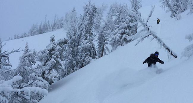 Airblaster-Yeti-Beast-Jacket-Snowboarding-1