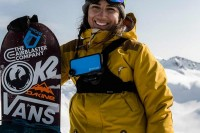 Airblaster美女滑手Leanne Pelosi加入Hitcase